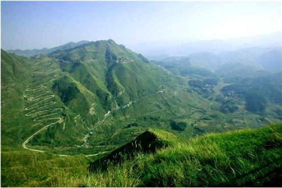 巅峰旅投综合运营景区——晴隆24道拐承接部分首届国际山地旅游大会